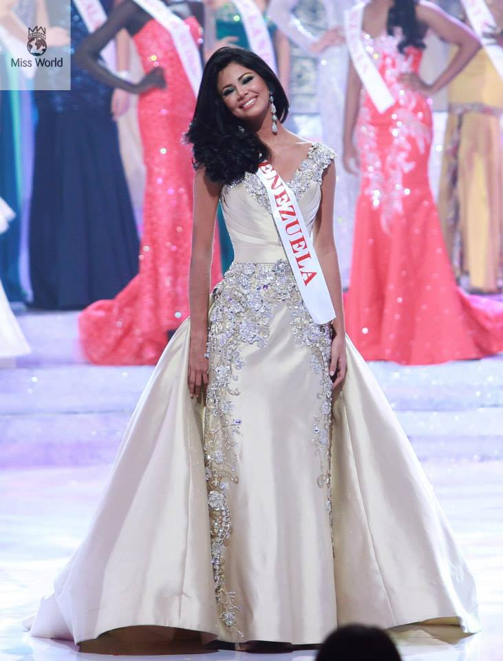 Top 15 gowns for the year 2013 – The Great Pageant Community